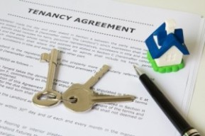 tenant agreement with keys and house