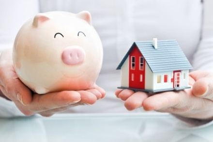 piggy-bank-house-real-estate-investing